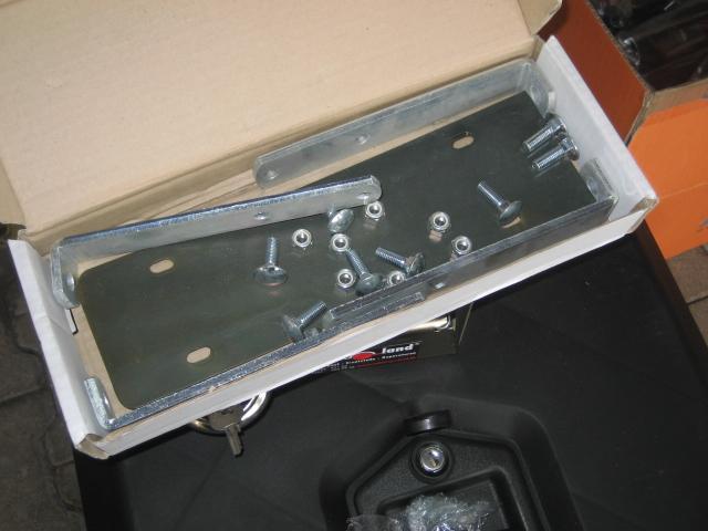 montagesatz horizontal einbau f r werkzeugkasten deichselbox staubox kunstoff pe schwarz f r. Black Bedroom Furniture Sets. Home Design Ideas